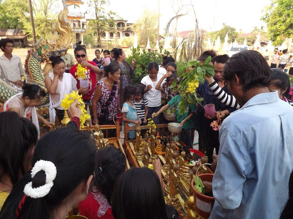 Champasak-Spa-Wellness-Center-Laos-pouring-water
